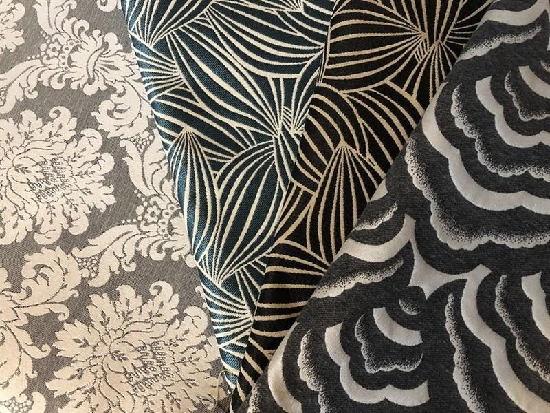 フランス生地屋さんで作るリバーシブル・ジャカード生地を使った袱紗の画像