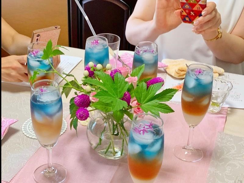 世界の紅茶のテイスティングとイギリス菓子を楽しむ講座の画像