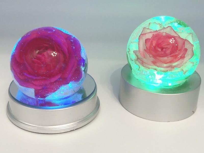 生花を使ったハーバリウムLEDボールの画像