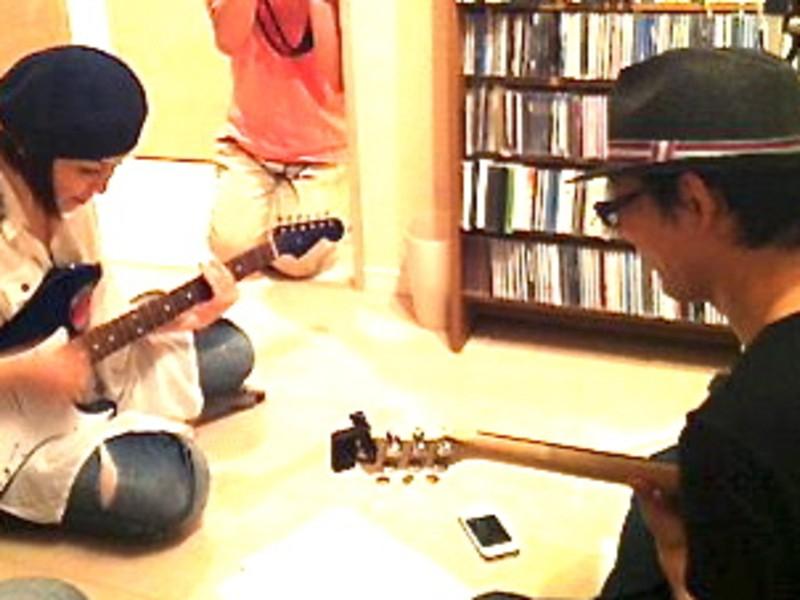 アコギを弾きながら好きな曲を歌おう!!の画像