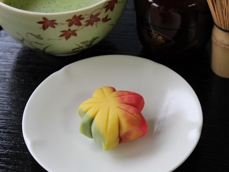 【秋の和菓子はこれ!】きれいな「もみじ」を練り切りで作ってみよう♪の画像
