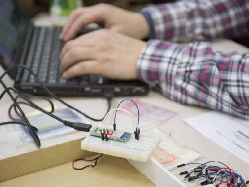 太陽光発電・充電モニター 設計・制作ワークショップの画像