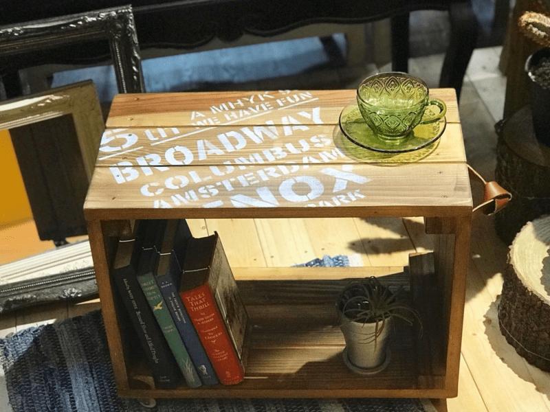 秋田杉でつくるキャスター付きテーブルの画像