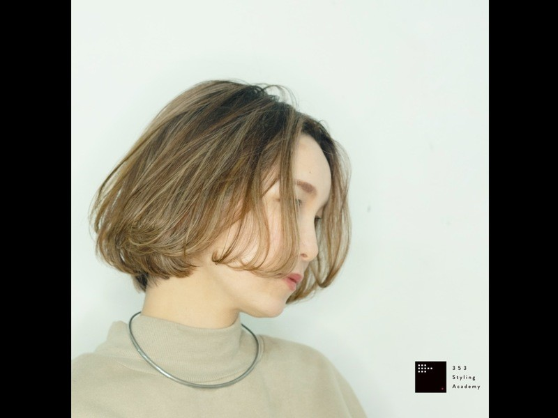 『6手で仕上げる大人な巻き髪』カールアイロン講座の画像