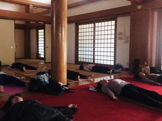 new!千駄木の閑静な住宅街の中のお寺でゆっくり優しい90分ヨガの画像
