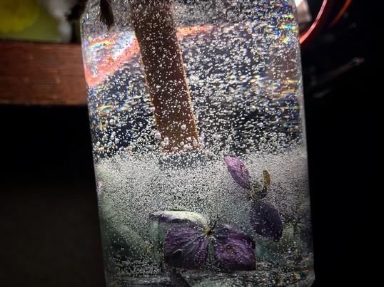 灯りは心の薬!ボタニカル試薬瓶キャンドルの画像