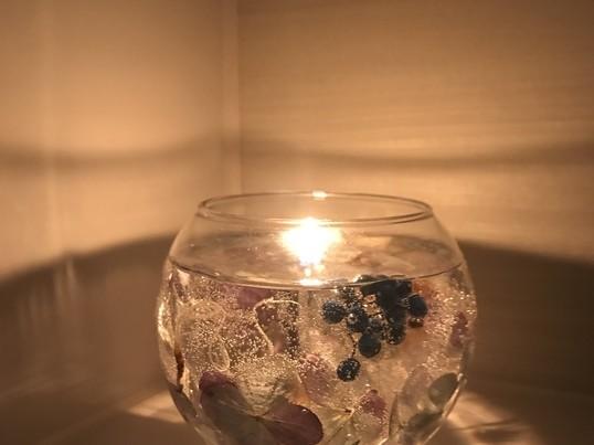輝くボタニカルキャンドルの画像