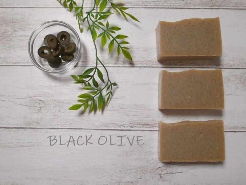 油脂から作るブラックオリーブ石けん&スクラブの画像