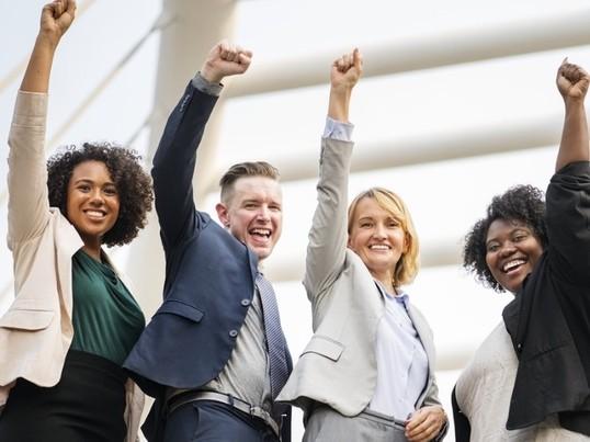 自分らしさを出せない女性会社員へ♡ストレスフリーな毎日を送る方法の画像