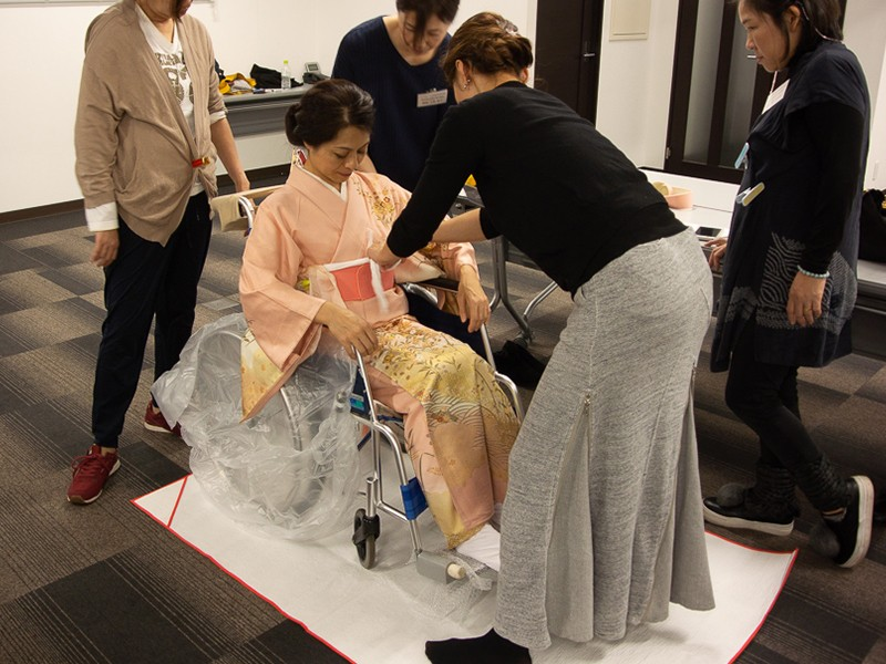 映画「長いお別れ」公開記念「車椅子着付けの世界を学ぶ」の画像