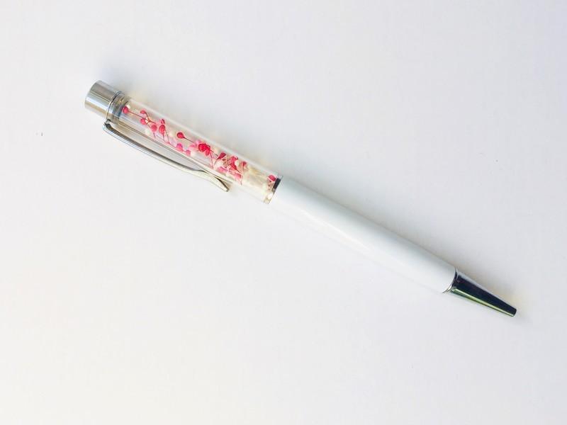 お花でデザイン!オリジナルのフラワーペンを作ろうの画像