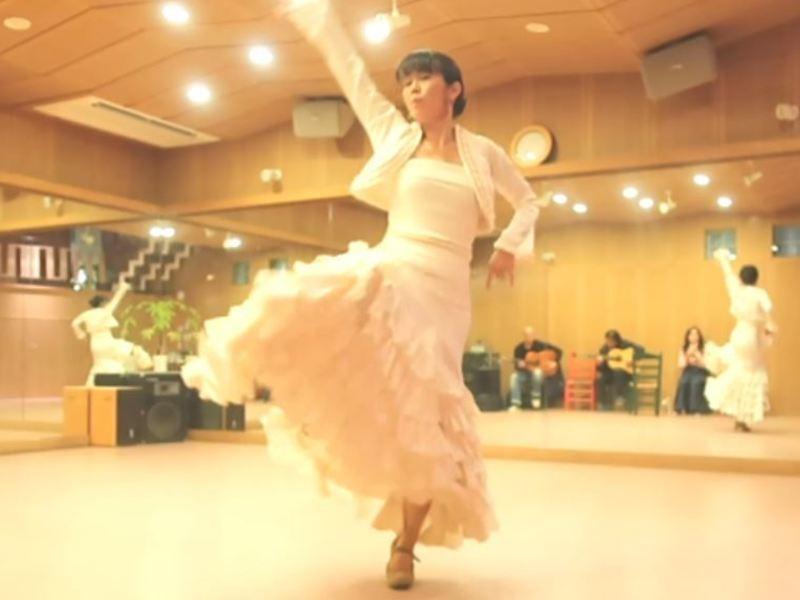 フラメンコ「ブレリア」を踊るクラスの画像