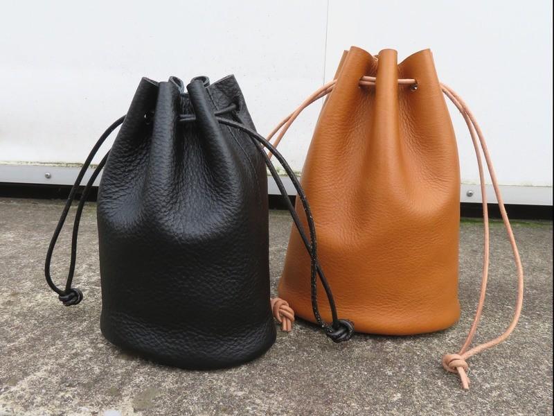 【レザークラフト】手縫い本革巾着バッグの画像