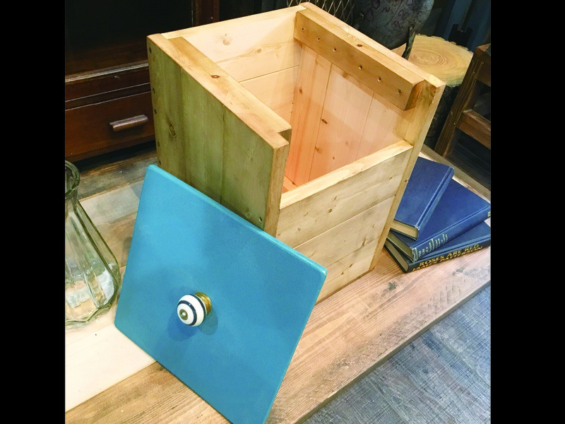 親子ペアまたは初心者【夏休み木工教室】収納にも使えるダストボックスの画像