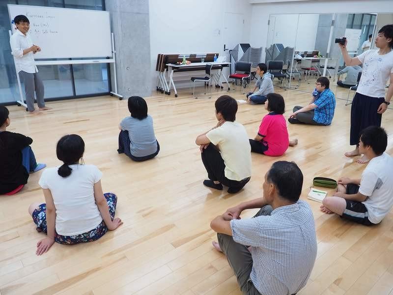 インプロ(即興演劇)で創造性とコミュニケーション能力を開くの画像