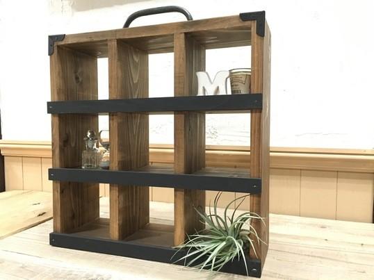 【DIY初心者向け】天然秋田杉のコレクション飾り棚の画像