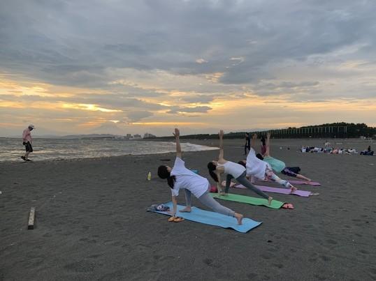茅ヶ崎サンセットビーチヨガの画像