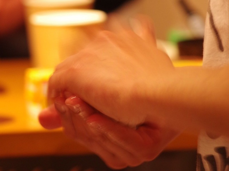 愛情たっぷりおむすび講座-明日からすぐに誰でも使える結び方-の画像