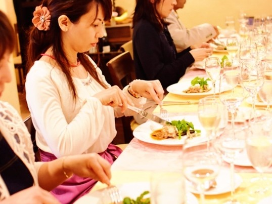 男女参加ok!銀座老舗フレンチ&有名講師が教える洋食テーブルマナーの画像