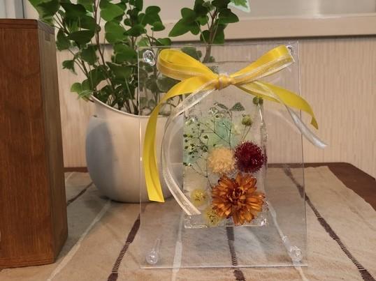 香りとお花を楽しむハーバリウム ・アロマサシェ作りの画像