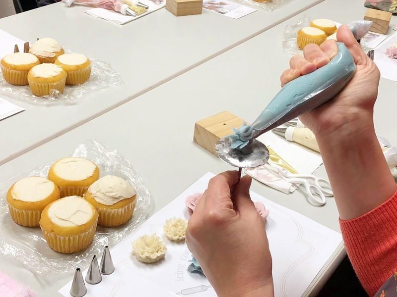 ドライフラワーのカップケーキ ~デコレーションレッスン~の画像