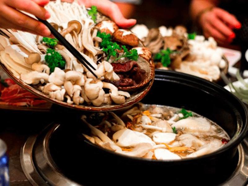 ベトナムきのこ鍋の画像