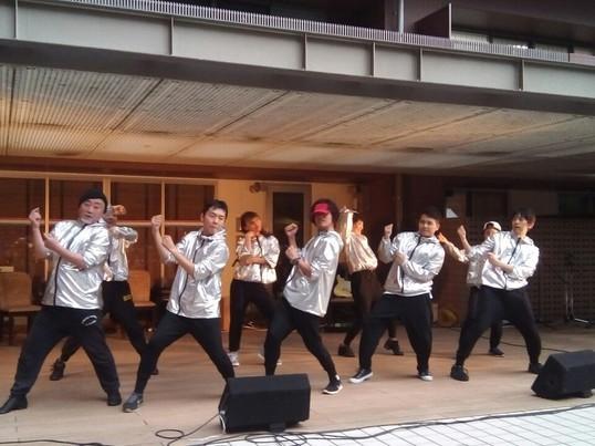大人のためのストリートダンスの画像