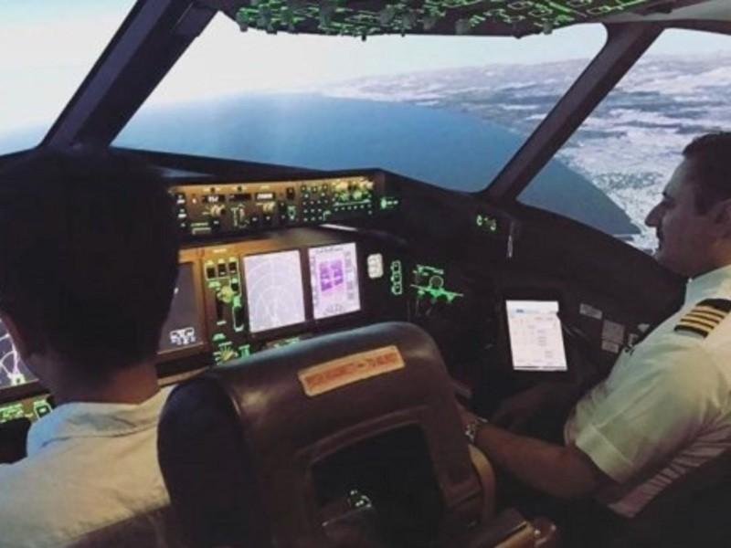 本物コックピットでフライトシュミレート体験!飛行機好きにおすすめの画像