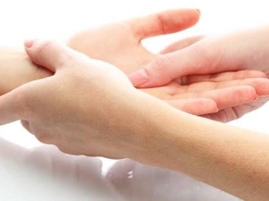 手からの癒しを学ぶ!ハンドトリートメント講座の画像