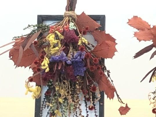 好きなお花を選んでスワッグフレームを作ろう!の画像