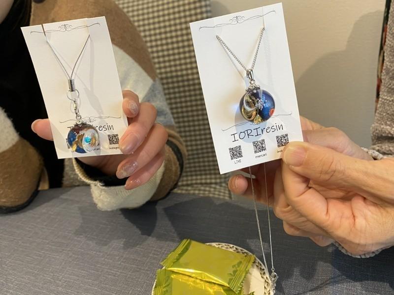 福岡で立体的な宇宙玉レジンアクセサリーのワークショップ開催しますの画像
