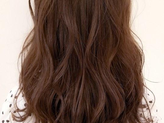 朝のセットを簡単に♪誰でも出来る巻き髪をレクチャー♪の画像