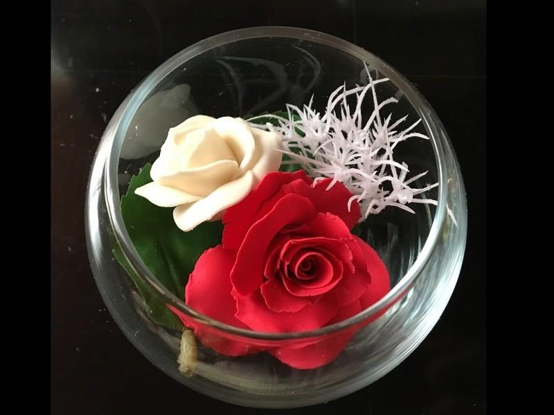 石鹸の香りに包まれて花びら1枚から作るフラワーソープの画像