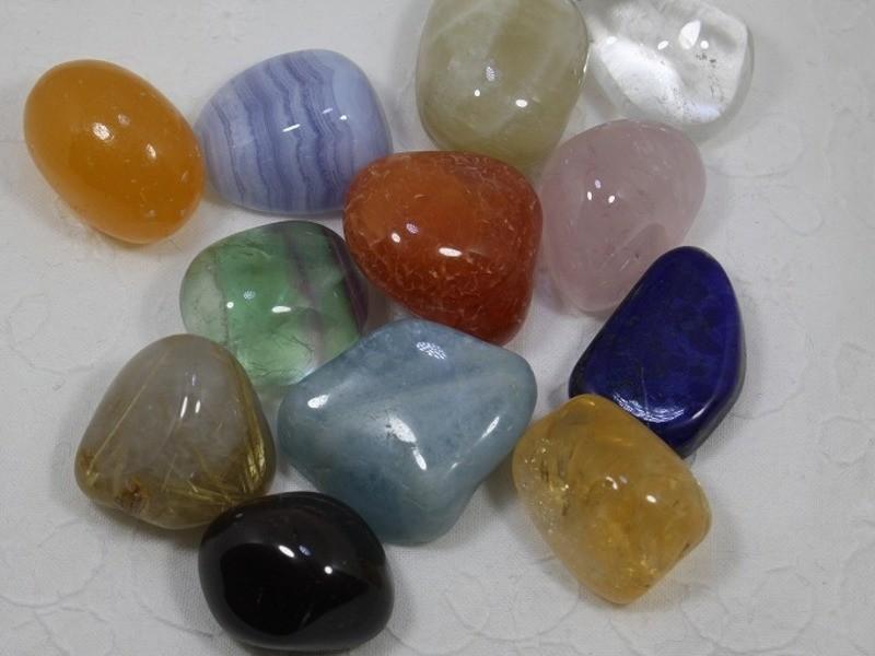 選べる天然石でオンリーワンのペンダントトップを作ろうの画像