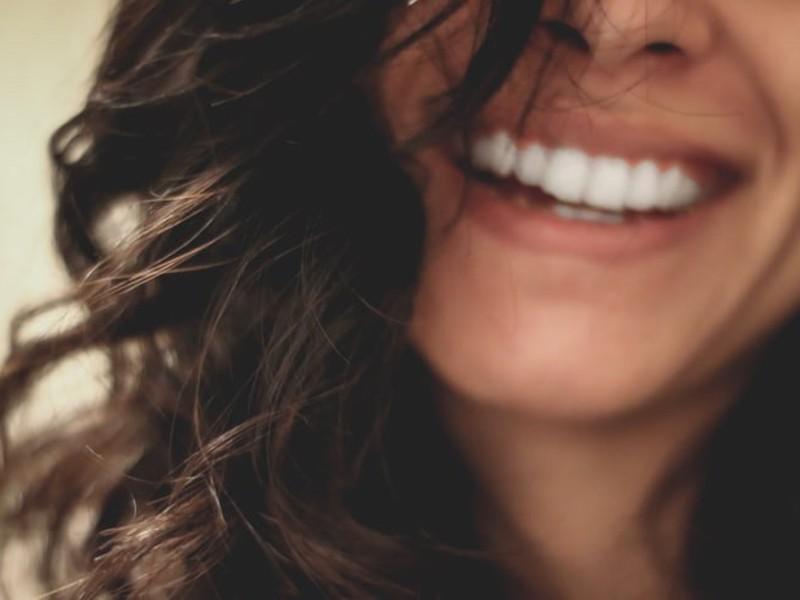 大人の歯磨き講座♪セルフで出来る美スマイルラインの画像