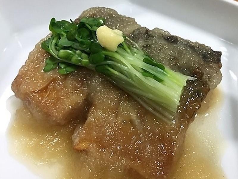 揚げ鯖のみぞれ煮&麹仕立て鶏団子椀&ピリ辛そぼろのホットサラダの画像