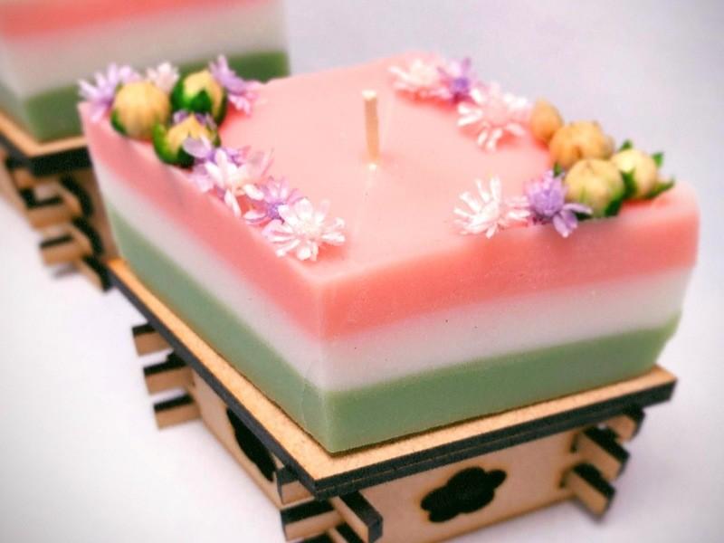 ひな祭り限定♡かわいい菱餅型アロマキャンドルを作ろう!専用台付き!の画像