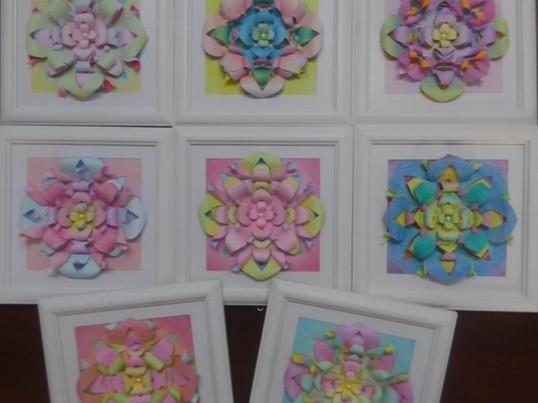 紙で作るお花のような立体曼荼羅の画像