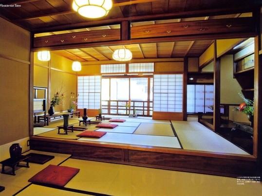 京都の和室でいけばな体験。の画像