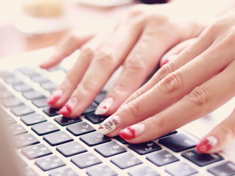 オンライン可♡第二の収入源! あと+月3万稼ぐ♡商業デザイナー講座の画像