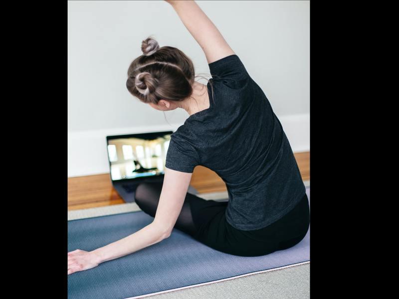 タオルを使って体をひきしめ・調整!!超簡単「タオルエクササイズ」の画像