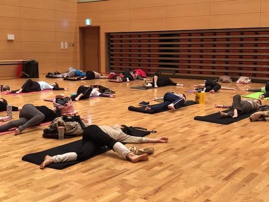肩こり腰痛改善のためのオンライントレーニングの画像