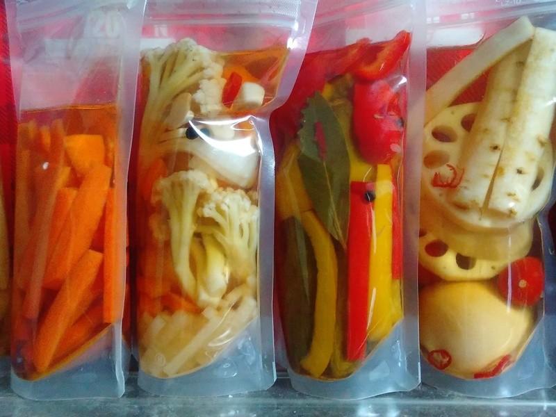 余計な添加物なし:季節野菜の自家製ピクルス作り・3種200gお土産の画像