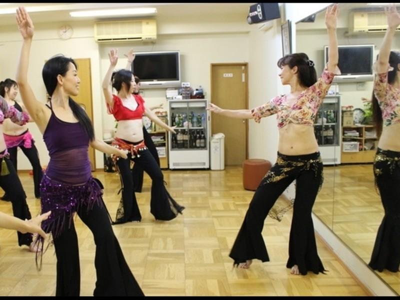 【オンライン】昭和ディスコ音楽で踊るベリーダンスの画像