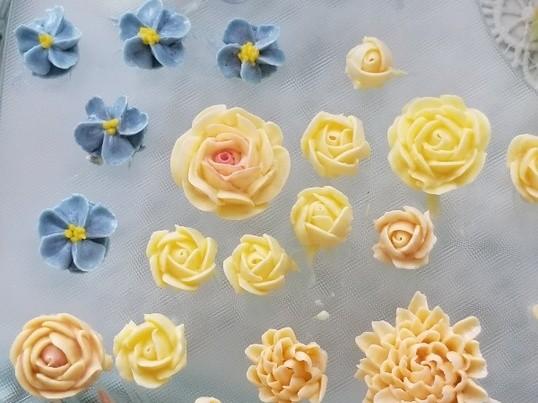 写真も心も映え晴れ♡トキメキのフラワーカップケーキ体験【世田谷区】の画像