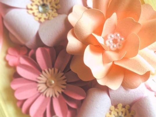 【初心者歓迎】大人女子のペーパーフラワー★春色フレームアレンジの画像