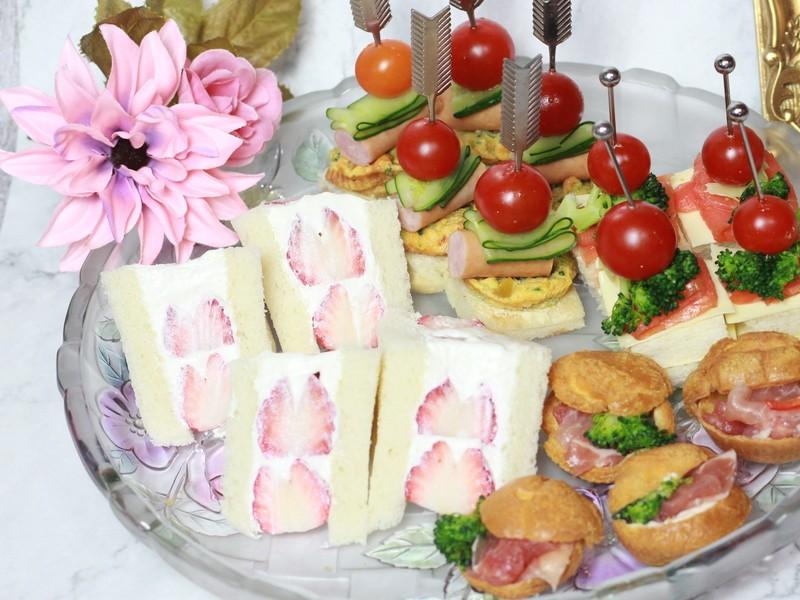 3D萌え断サンド! 1組で4種類8絵柄出る三角のサンドイッチの画像