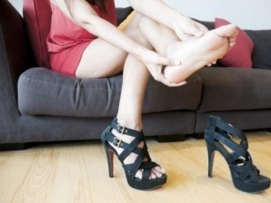 痛い靴、脱げる靴から卒業!痛くなる原因を知って快適な靴の選び方の画像
