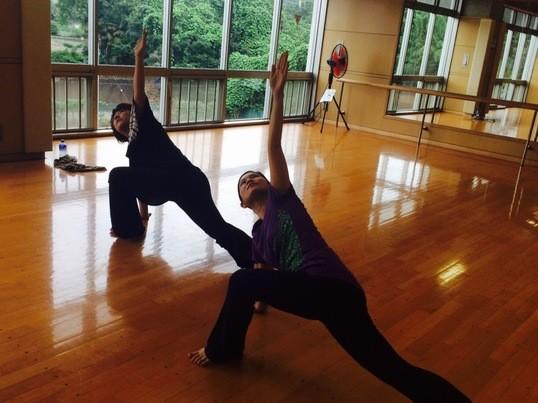体力アップ!!年齢や経験問わない超初心者のためのストレッチ&ダンスの画像