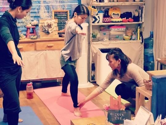 《Yoga in English!》素敵な会場で、英語でヨガ!の画像